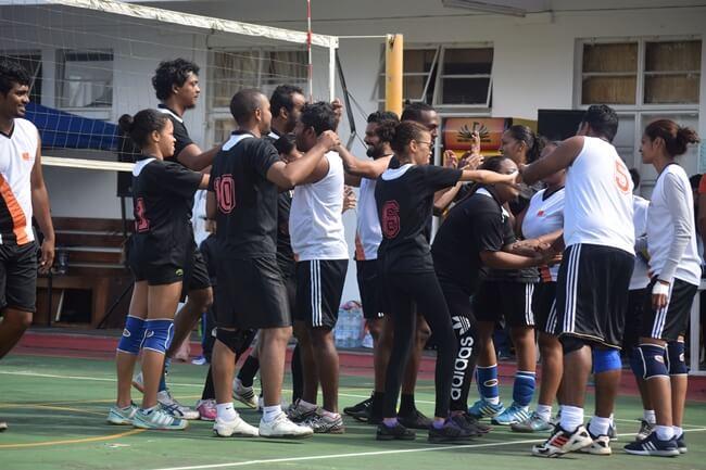 equipe volley sedeco, ambiance conviviale avec ses adversaires